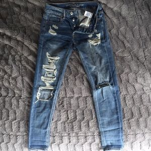 american eagle tomgirl jeans!